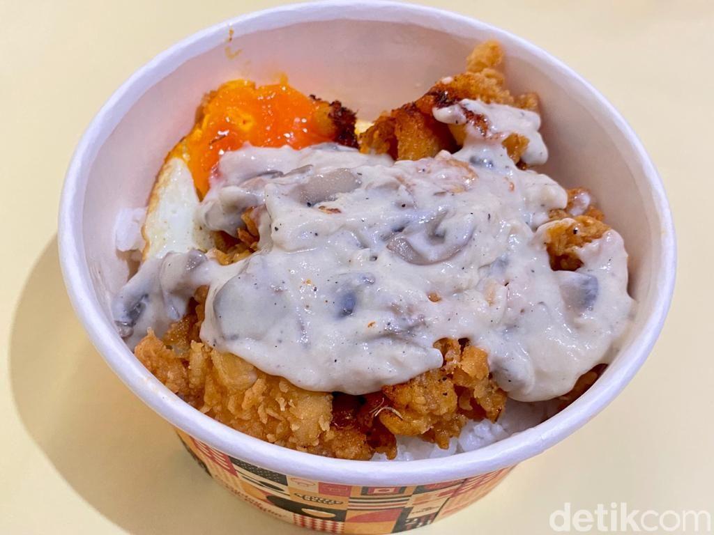 Truffle Belly: Gurih Creamy Truffle Chicken Rice dengan Saus Jamur dan Mentai