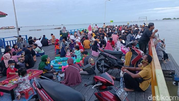 Wisata Bontang Kuala penuh pengunjung