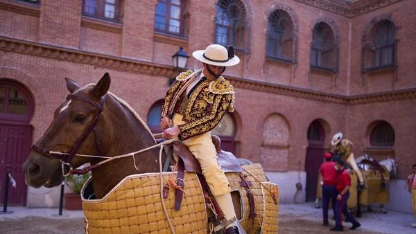 Las Ventas, Madrid menjadi tempat untuk para turis maupun warga local menikmati pertunjukkan ini secara langsung.