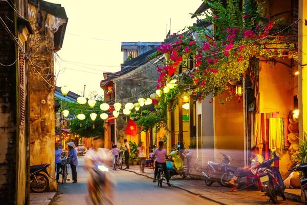 Sejarahnya dulu kota ini adalah salah satu pelabuhan perdagangan Asia Tenggara yang sibuk dari abad 15-19.