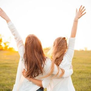 Dear Ladies, Beri Semangat ke Sahabat dengan 5 Ide Hadiah Ini