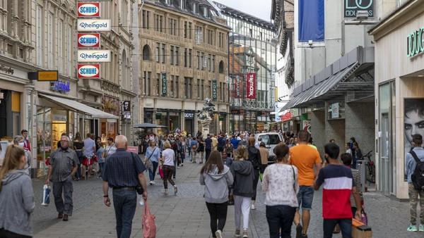 Braunschweig juga punya kawasan kota tua yang asyik buat jalan-jalan. Kerja sama kota kembar antara Bandung dan Braunschweig sendiri diinisiasi pada tahun 1955 dan diresmikan pada tahun 1960. (Getty Images/Ilari Nackel)
