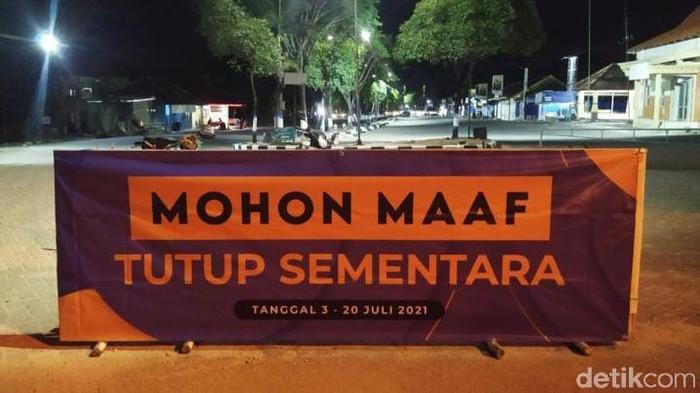 Makam Sunan Drajat merupakan salah satu wisata religi di Lamongan. Namun makam ini tutup selama PPKM Darurat.