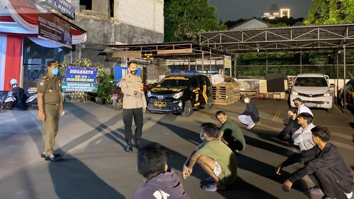 Puluhan remaja nongkrong di Menteng, Jakpus diamankan