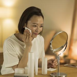 Rekomendasi 8 Produk Skincare Malam Hari untuk Mencerahkan Kulit