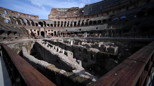 Menurut Direktur Taman Arkeologi Colosseum, Alfonsina Russo, proyek ini akan memberi wisatawan pemahaman baru dan lebih baik tentang bagaimana Colosseum berfungsi pada masa dahulu. (Filippo Monteforte/AFP)