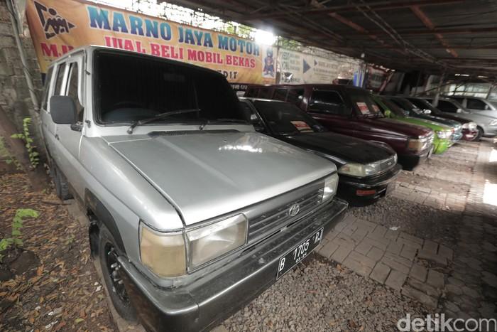 Dealer mobil bekas Marno Jaya Motor fokus menjual mobil tua bekas