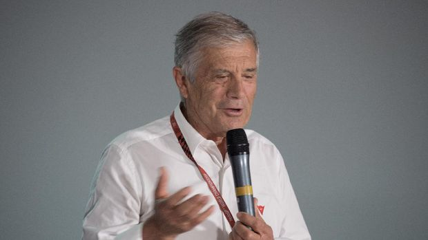 JEREZ DE LA FRONTERA, SPAIN - MAY 04:  Giacomo Agostini of Italy speaks during the press conference during the MotoGp of Spain - Previews at Circuito de Jerez on May 4, 2017 in Jerez de la Frontera, Spain.  (Photo by Mirco Lazzari gp/Getty Images)