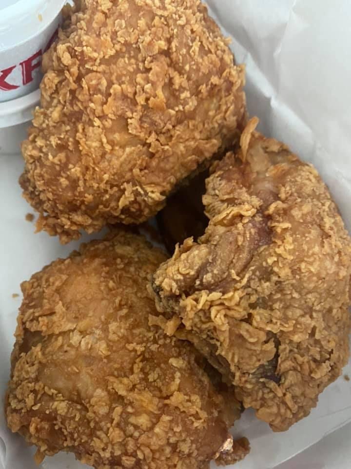 Kirim Pesan Unik KFC, Netizen Berhasil Dapatkan 3 Ayam Goreng Paha Atas
