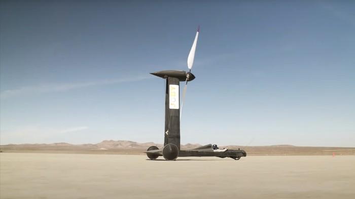 Konsep mobil tenaga angin Blackbird karya Rick Cavallaro