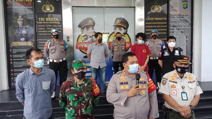 Pria ngaku keluarga jenderal saat dirazia masker di Tangsel ditetapkan sebagai tersangka