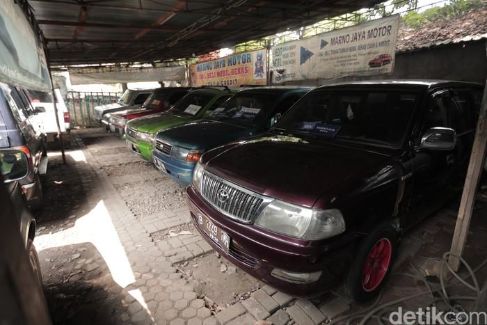 Stok mobil bekas di dealer Marno Jaya Motor