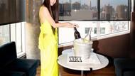 Terlihat Awet Muda Saat Ultah ke-72, Ini Pose Vera Wang bersama Kue Ultah