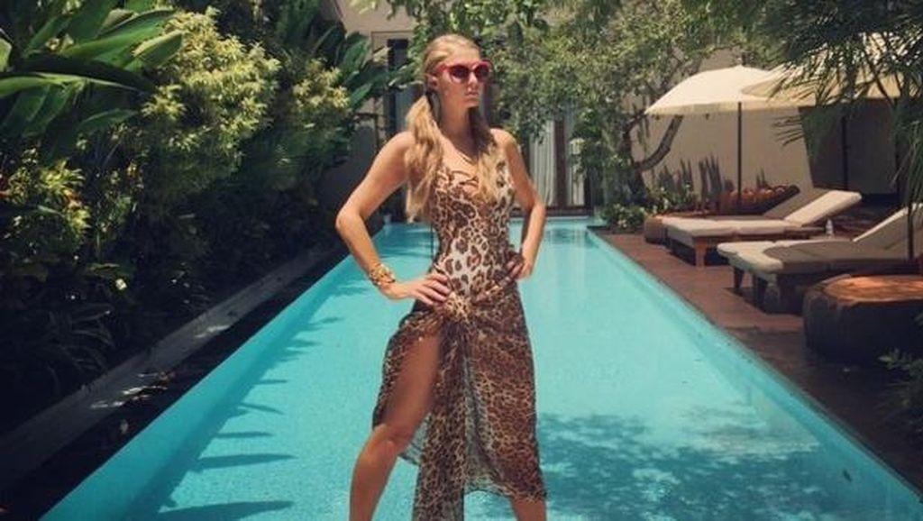 5 Potret Seksi Seleb Cantik Hollywood saat Liburan ke Bali