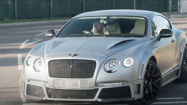 Bentley GTX 700-4 mobil mewah milik Raheem Sterling.