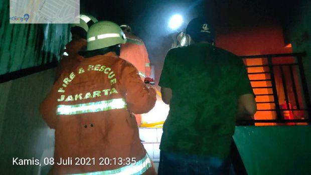 Gudang Vaksin di Puskesmas Sumur Batu Jakarta Pusat terbakar.