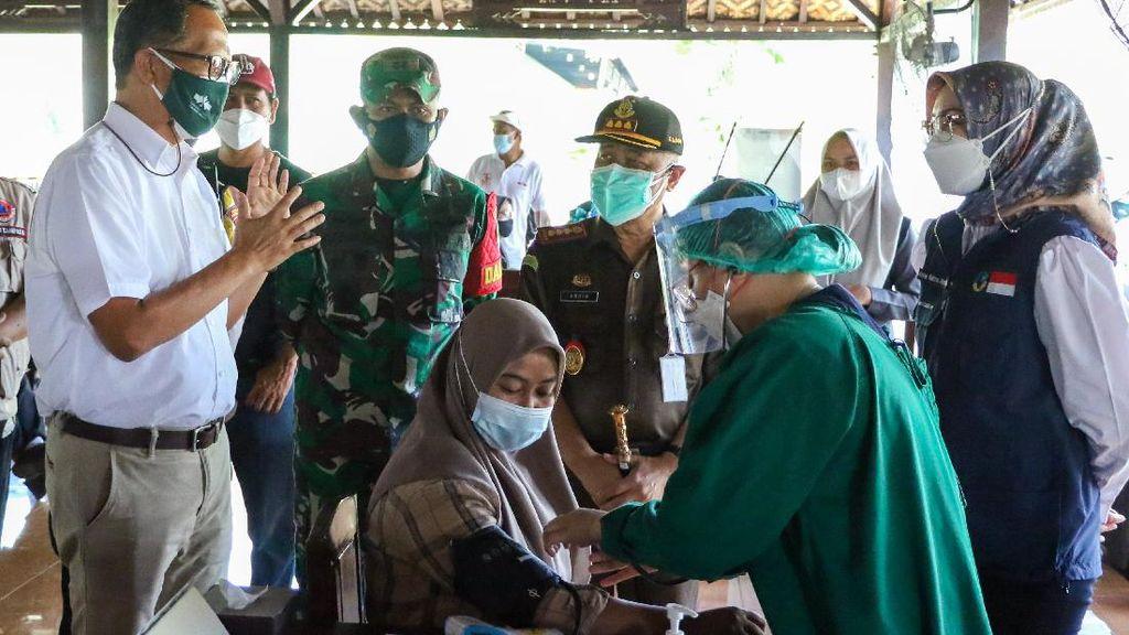 Pelaksanaan Vaksinasi Gotong Royong di Purwakarta