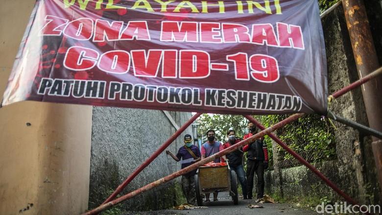Meski Indonesia terus diterpa rekor buruk akan angka-angka COVID-19 yang tinggi, namun kabar baiknya RI dinobatkan menjadi negara paling dermawan di dunia.