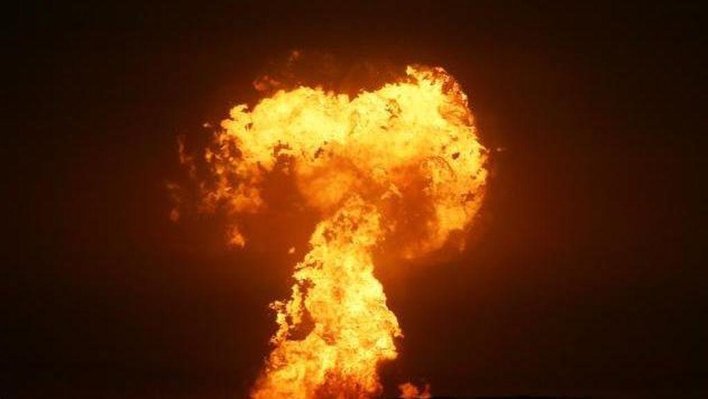 Menakutkan, Kobaran Api Raksasa Muncul di Laut Kaspia