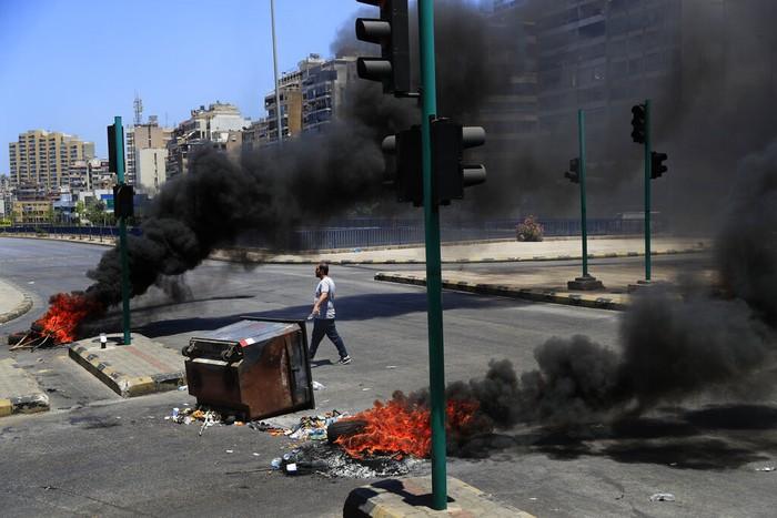 Situasi krisis ekonomi di Lebanon semakin parah hingga membuat negara ini disebut bagai 'neraka' oleh warganya sendiri. Hiperinflasi dan kelangkaan berbagai kebutuhan pokok membuat situasi di Lebanon semakin tak tertahankan bagi warganya.