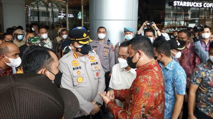 Mal Centre Point Medan disegel Bobby Nasution