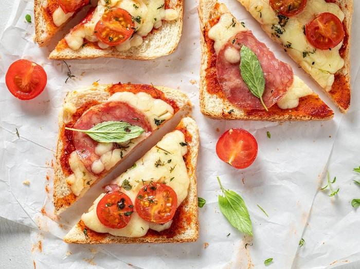 Resep Pizza Roti Panggang Topping Keju