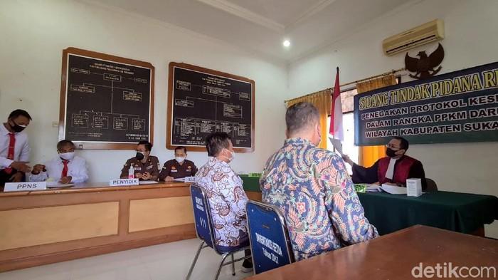 Sidang yustisi pelanggaran prokes di Sukabumi