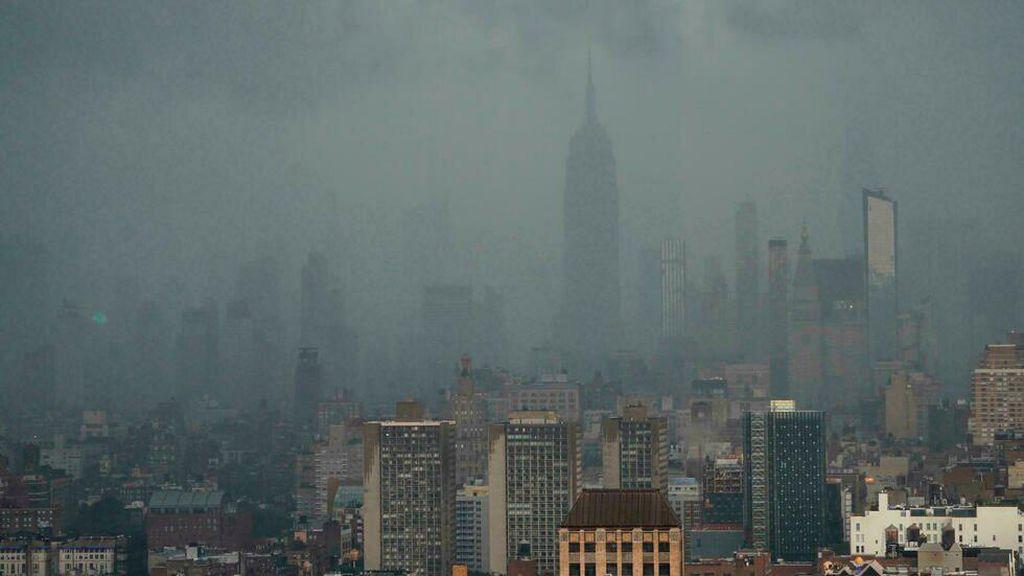 New York Banjir Akibat Badai Tropis Elsa