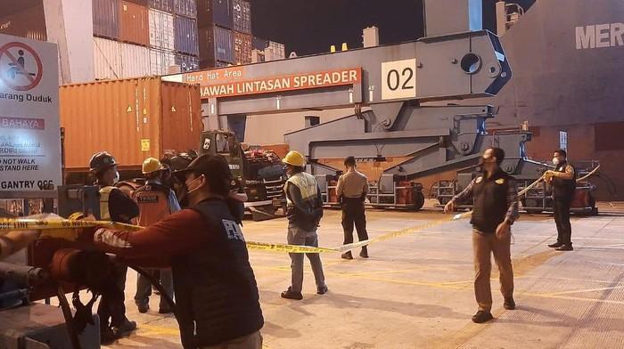 Sopir truk tewas tertimpa kontainer di Pelabuhan Tanjung Priok
