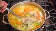Bikin Sup Ayam Campur Cokelat, Wanita Ini Dinyinyirin Netizen
