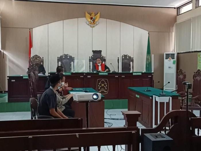 Warga Kediri Yang memohon ganti kelamin dikabulkan Pengadilan