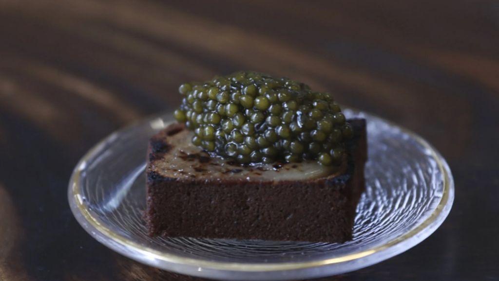 Chef Ini Sajikan Kaviar di Atas Es Krim Durian dan Bolu Pisang