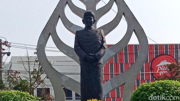 Patung dalang Ki Narto Sabdo