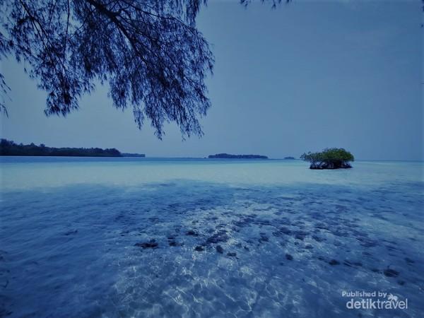Pulau Harapan yang indah dan tenang