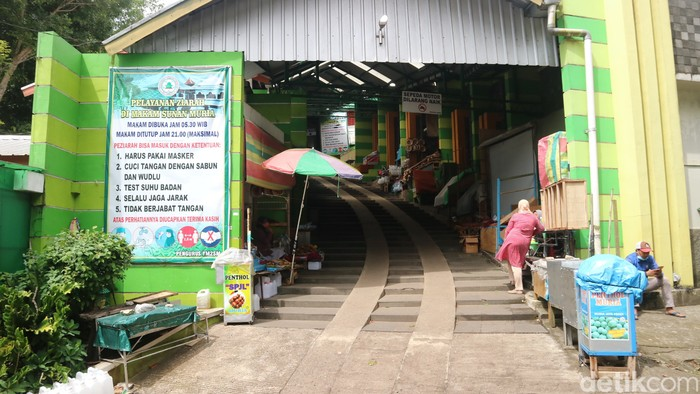 Suasana di kawasan wisata religi Sunan Muria di Desa Colo Kecamatan Dawe, Sabtu (10/7/2021).