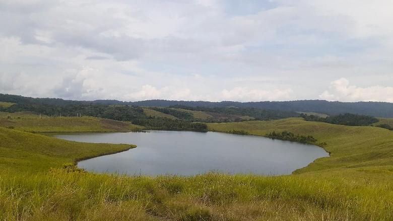 danau Love di Sentani