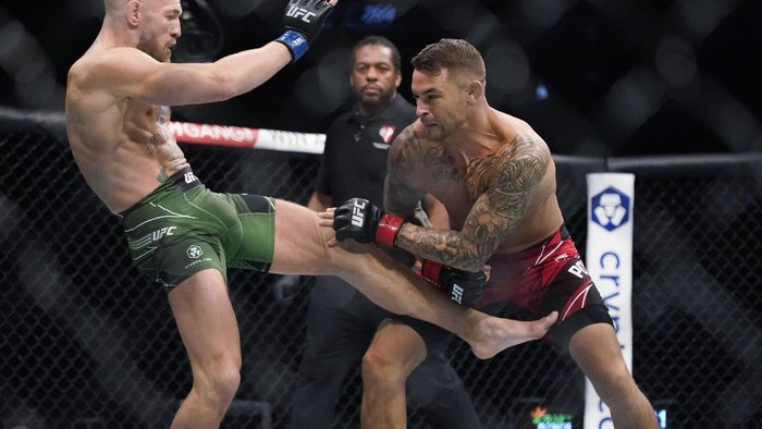 Conor McGregor prepares to fight Dustin Poirier in a UFC 264 lightweight mixed martial arts bout Saturday, July 10, 2021, in Las Vegas. (AP Photo/John Locher)