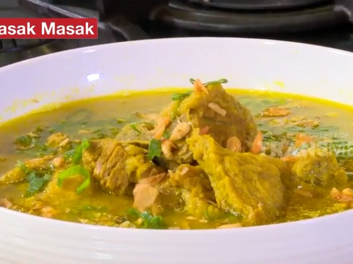Resep Soto Daging dan Jeroan Kuah Kuning Bening