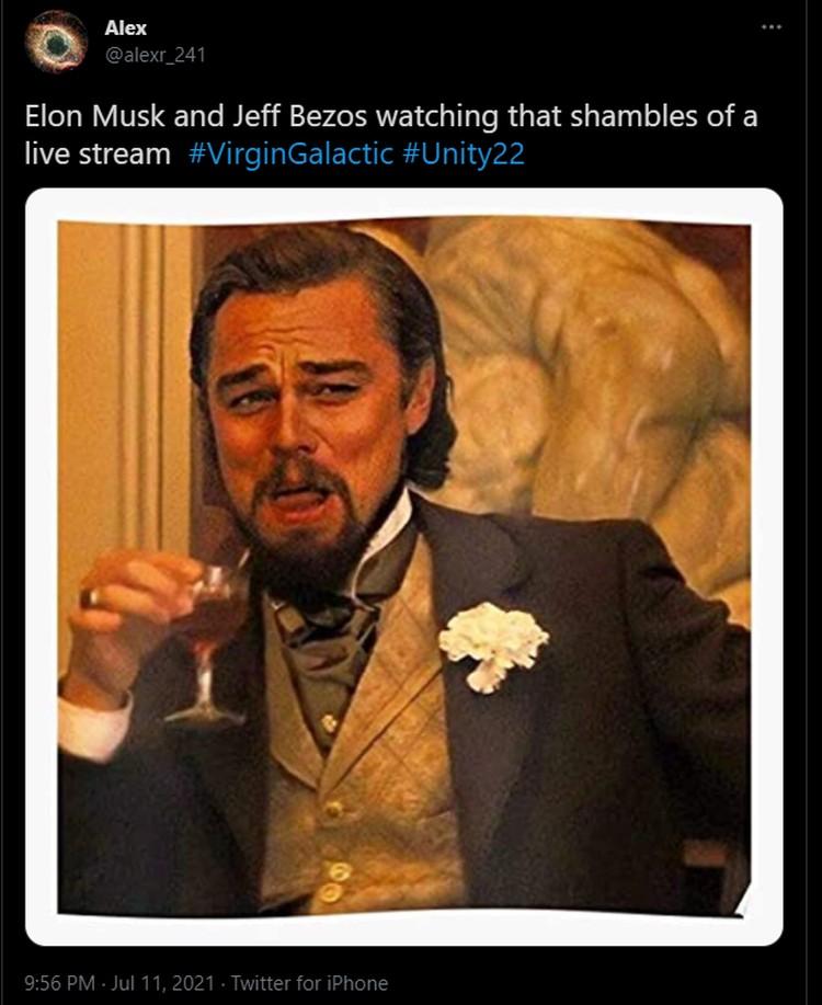 Meme Richard Branson ke Luar Angkasa