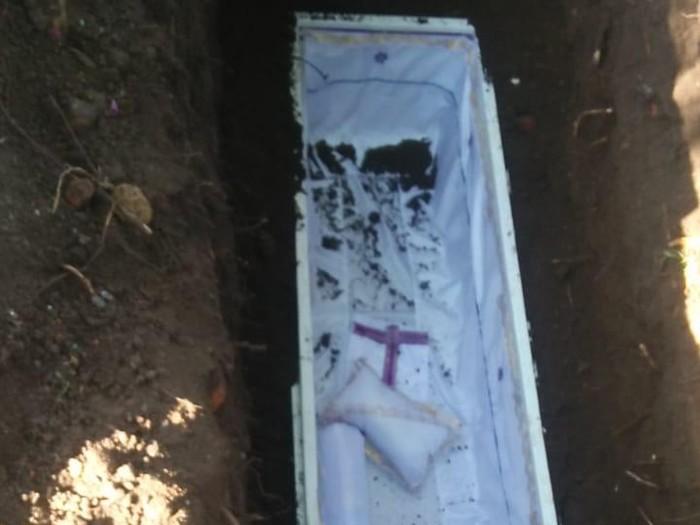 Peti mati kosong yang dikuburkan di Dusun Ngasem, Desa Karanglo, Kecamatan Polanharjo, Klaten.