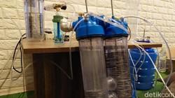 Warga Cimahi, Setiawan Hendra membuat oxygen maker. Alat ini untuk membantu mengatasi kelangkaan oksigen yang dibutuhkan pasien COVID-19.