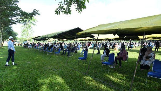 Serbuan vaksin COVID-19 turut digelar di markas pasukan elite TNI AU, Satbravo 90. Ditargetkan ada 10 ribu warga yang akan mengikuti (dok Dispenau)