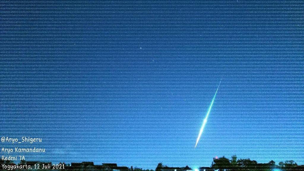 Cara Mudah Deteksi Kilatan Cahaya yang Muncul di Langit