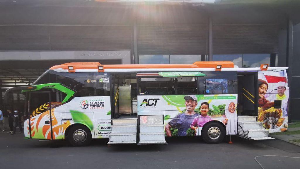 Potret Bus Mercedes-Benz yang Disulap Jadi Dapur Berjalan Oleh Karoseri Laksana