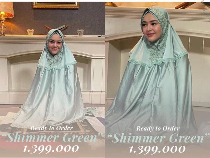 Amanda Gabriella Manopo memakai hijab.