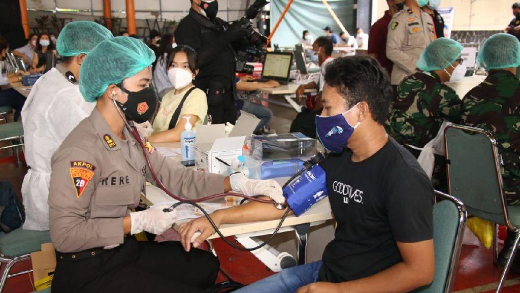 TNI-Polri Operasi Khusus di Kabupaten Bogor-Tangerang Kejar Target Vaksinasi
