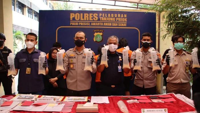 Polres Pelabuhan Tanjung Priok gagalkan penyelundupan ekspor benur senilai Rp 6 M