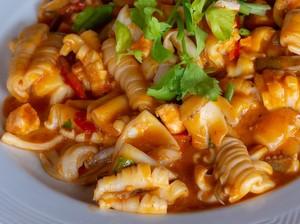 Resep Cumi Saus Tiram Pedas ala Restoran untuk Lauk Makan Siang