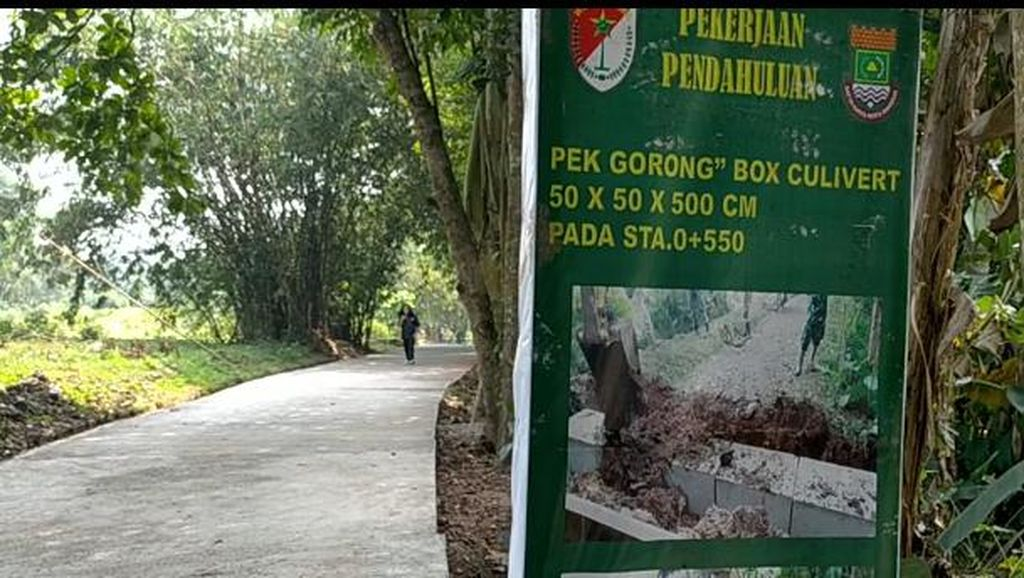 Semangat Prajurit TNI di Masa Corona, Jalan Kampung Tangerang Dibeton hingga Bikin Musala
