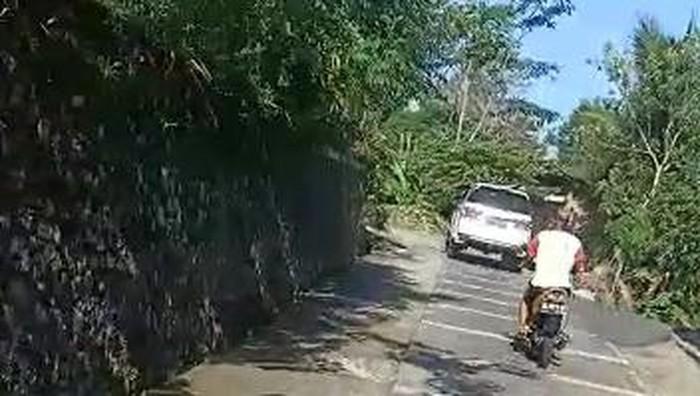 Viral pemotor kejar pemobil diduga pelaku tabrak lari di Karanganyar